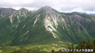 三俣蓮華岳より鷲羽岳を望む